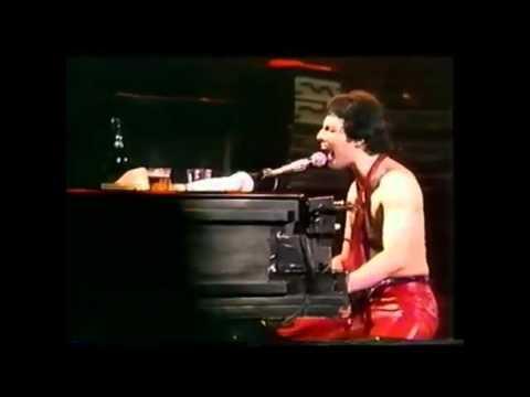 Queen-Get Down Make Love Live Hammersmith 79