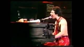 Queen-Get Down Make Love Live Hammersmith 79