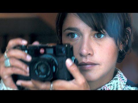 LES CHATEAUX DE SABLE Bande Annonce avec Emma de Caunes thumbnail