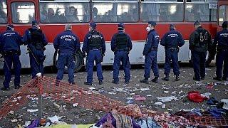 Сегодня ночью в Венгрии вводится ужесточенное миграционное законодательство(С 15 сентября в Венгрии вступает в силу ужесточенное миграционное законодательство. Со вторника всех, кто..., 2015-09-14T15:02:18.000Z)