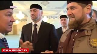 Рамзан Кадыров подарил Волос Пророка Мухаммеда (.)