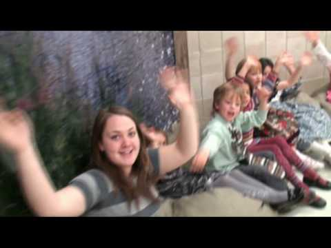 LIPDUB- attention Mesdames et Messieurs-École Émile-Nelligan.mpg