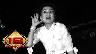 Nini Carlina - Gantengnya Pacarku (Live Konser Wlingi Blitar 13 Mei 2006)