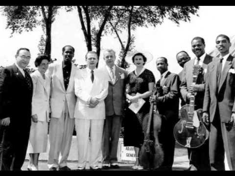 The Ink Spots - When You're Smiling (Live)