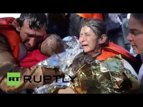 Greece: Refugees arrive by boat at Lesbos as weather deteriorates