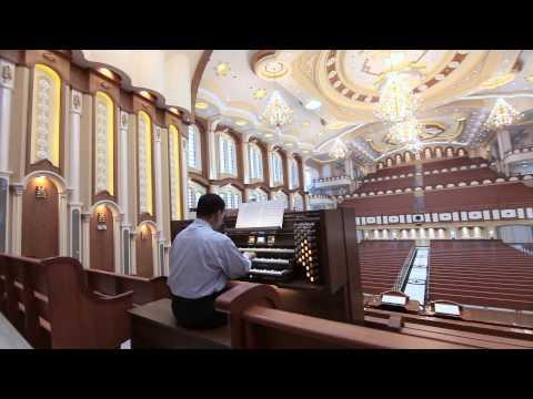 Beautiful Monarke organ for the Iglesia Ni Cristo, House of Worship, Local Congregation of Capitol.