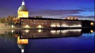 Toulouse  La Ville Rose  -  Midi-Pyrénées  -  France
