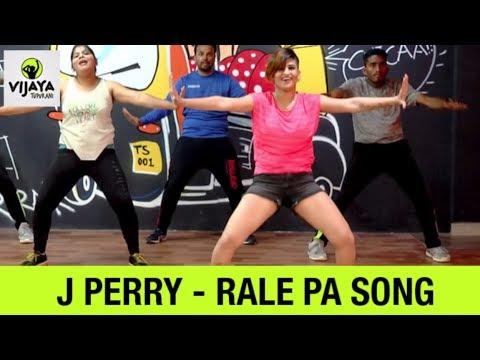 Zumba Workout On - Rale Pa(Soca) Mega Mix 61     Zumba Fitness   Choreographed By Vijaya