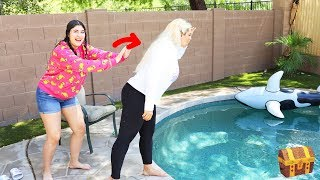 FUNNY PRANKS ON MY MOM FOR 24 HOURS STRAIGHT CHALLENGE!