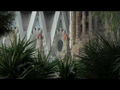 Barcelona Sagrada Familia - vertical garden under construction