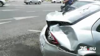 Шесть авто столкнулись на пл. Волкова