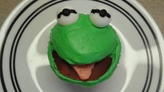 Decorating Cupcakes #84:  Frog