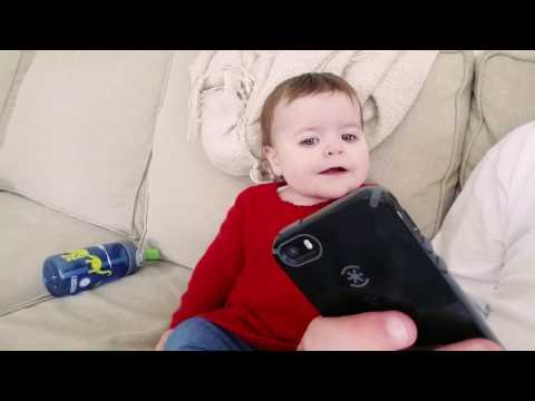 Baby hears Beat It for the first time - Michael Jackson