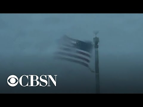 Hurricane Dorian lashes North Carolina coast