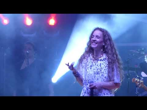 "Amanda Marshall ""Let It Rain"" Live Brampton September 1 2017"