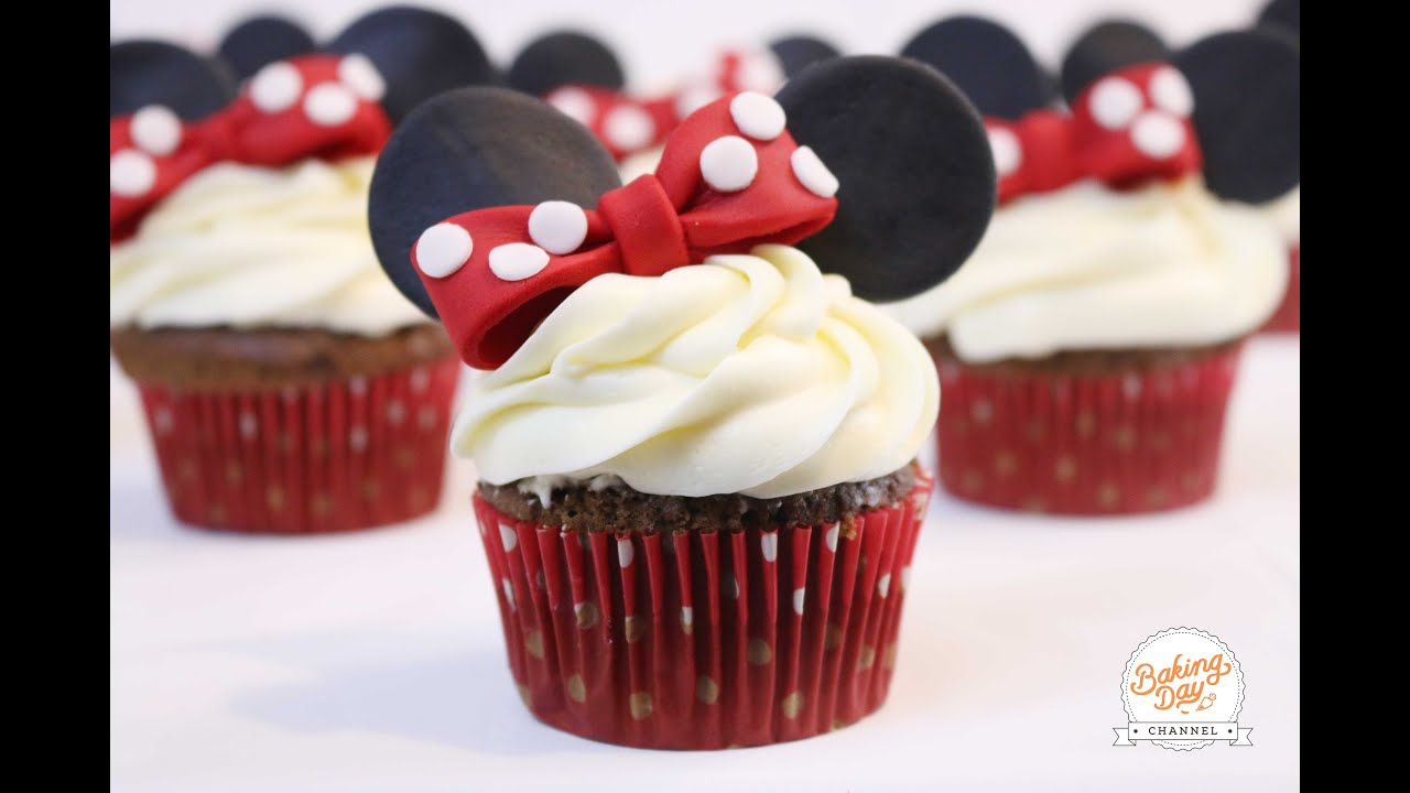 CUPCAKES DE MINNIE MOUSE BAKING DAY