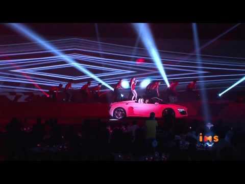 Thuy Tien trinh dien bai hat Kiss Me voi sieu xe Audi R8