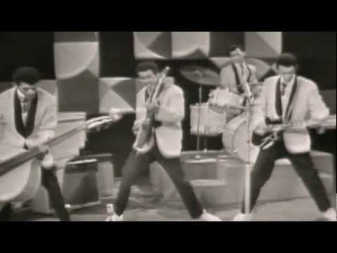 Tielman Brothers - Rollin Rock (best rock 'n roll / Indo Rock) Live TV show 1960