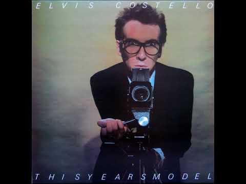 Radio, Radio - Elvis Costello & The Attractions (D9)