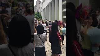 Publication Date: 2018-07-16 | Video Title: 2018-07-13聖羅撒女子中學中文部中學畢業禮在外等候情