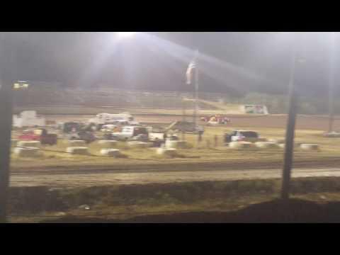 Southern Oregon Speedway 9-17-2016 sport mod heat 2