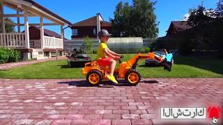 سينيا ومجموعته من السيارات الملونة