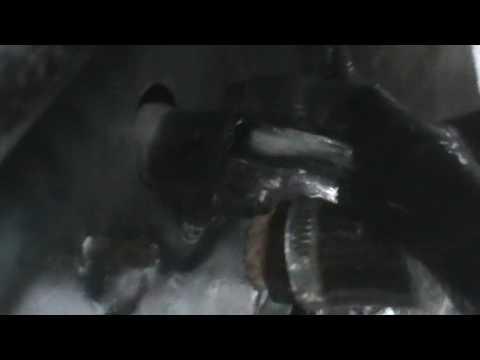 видео: Как промыть радиатор печки в машине