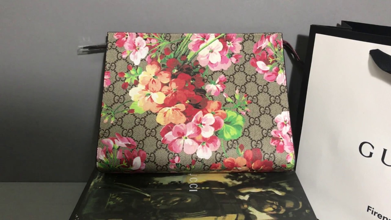 9cf15a63f83f71 Gucci GG Blooms large cosmetic case - YouTube