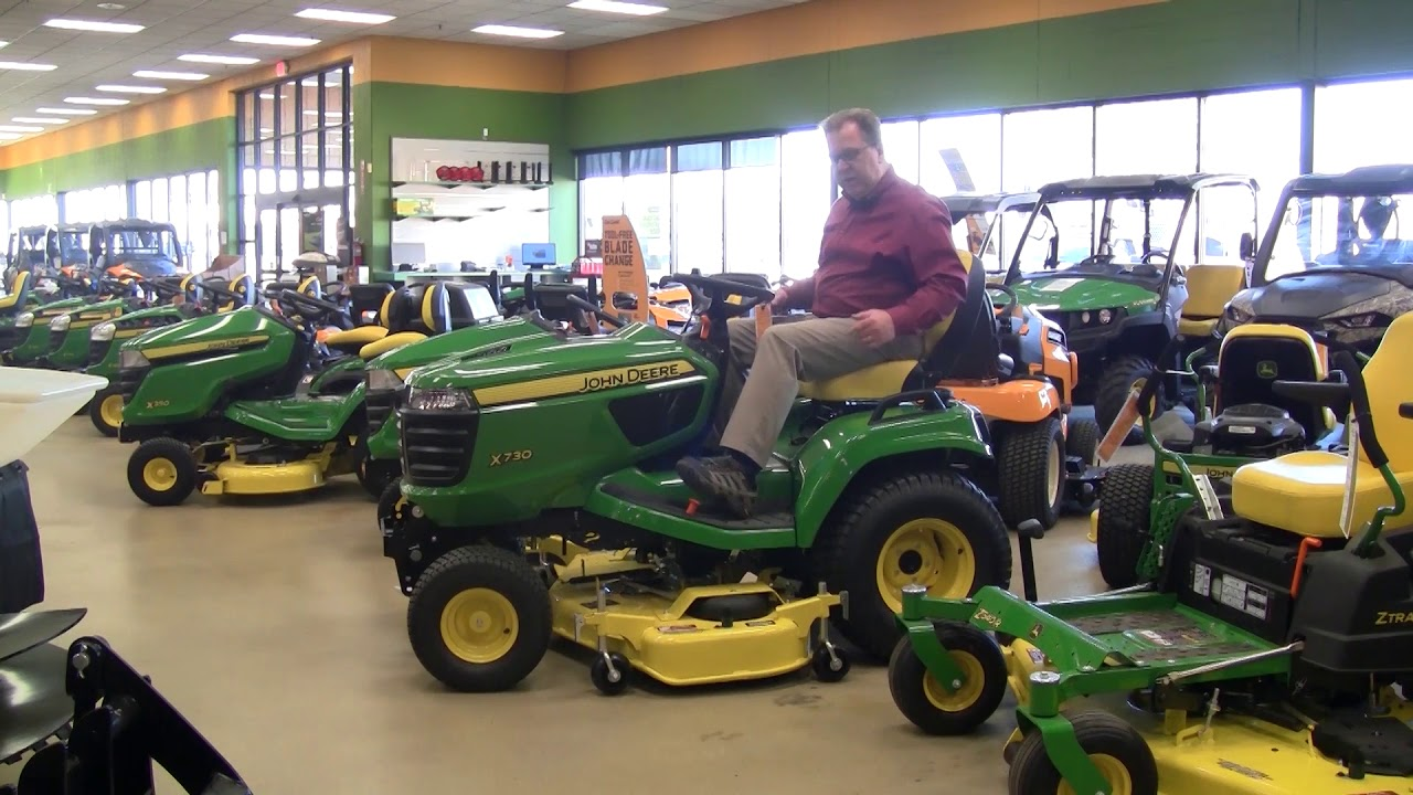 Buyer S Guide To John Deere X700 Series Lawn And Garden Tractors