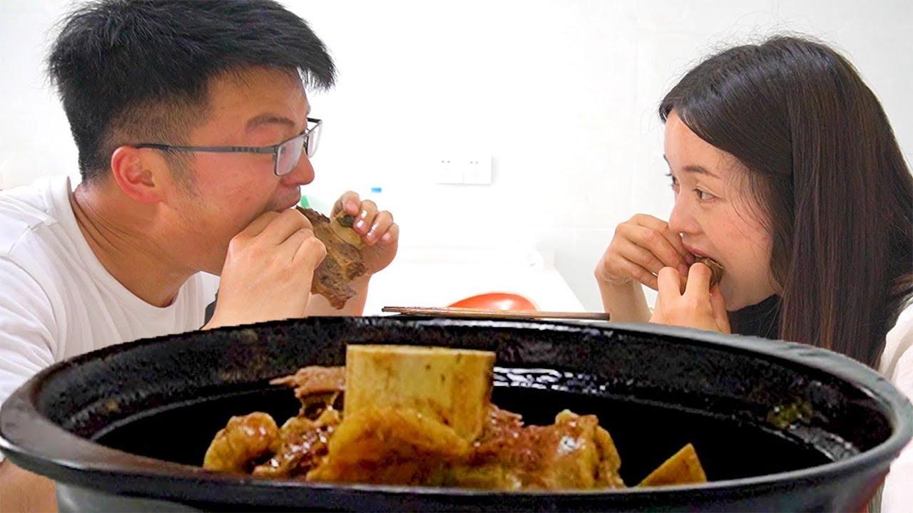"""半斤酱料搭4斤牛排,大sao做""""黄焖牛排条"""",俩人吃一锅太解馋了!【徐大sao】"""