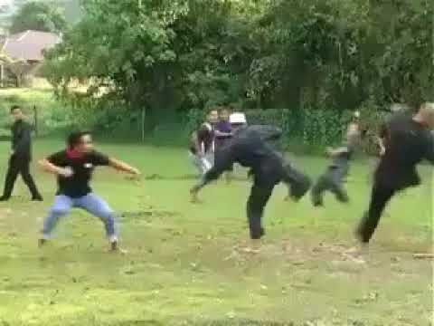 Silat from Malaysia for helping Palestine people!