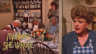 something fishy about that chowder murder she wrote