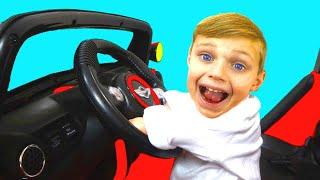 Las ruedas del autobús | Canciones Infantiles | Wheels on The Bus | Estamos en el auto
