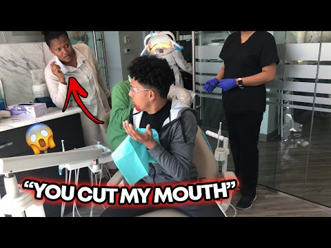 """YOU CUT MY MOUTH"" Prank On Dentist (Fake Blood)"