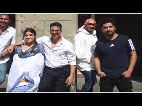 akshay-kumar-shoots-his-first-music-video-filhaal-with-kriti-sanon's-sister-nupur
