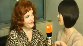 Uschi Blum / Hape Kerkeling mit Nela Lee bei WettenDass Backstage