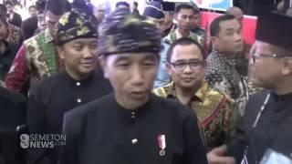 Video Presiden Jokowi Jadi Pendekar Silat download MP3, 3GP, MP4, WEBM, AVI, FLV November 2018