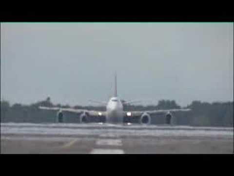 Rolls-Royce Trent 1000 Flying Test Bed - full video