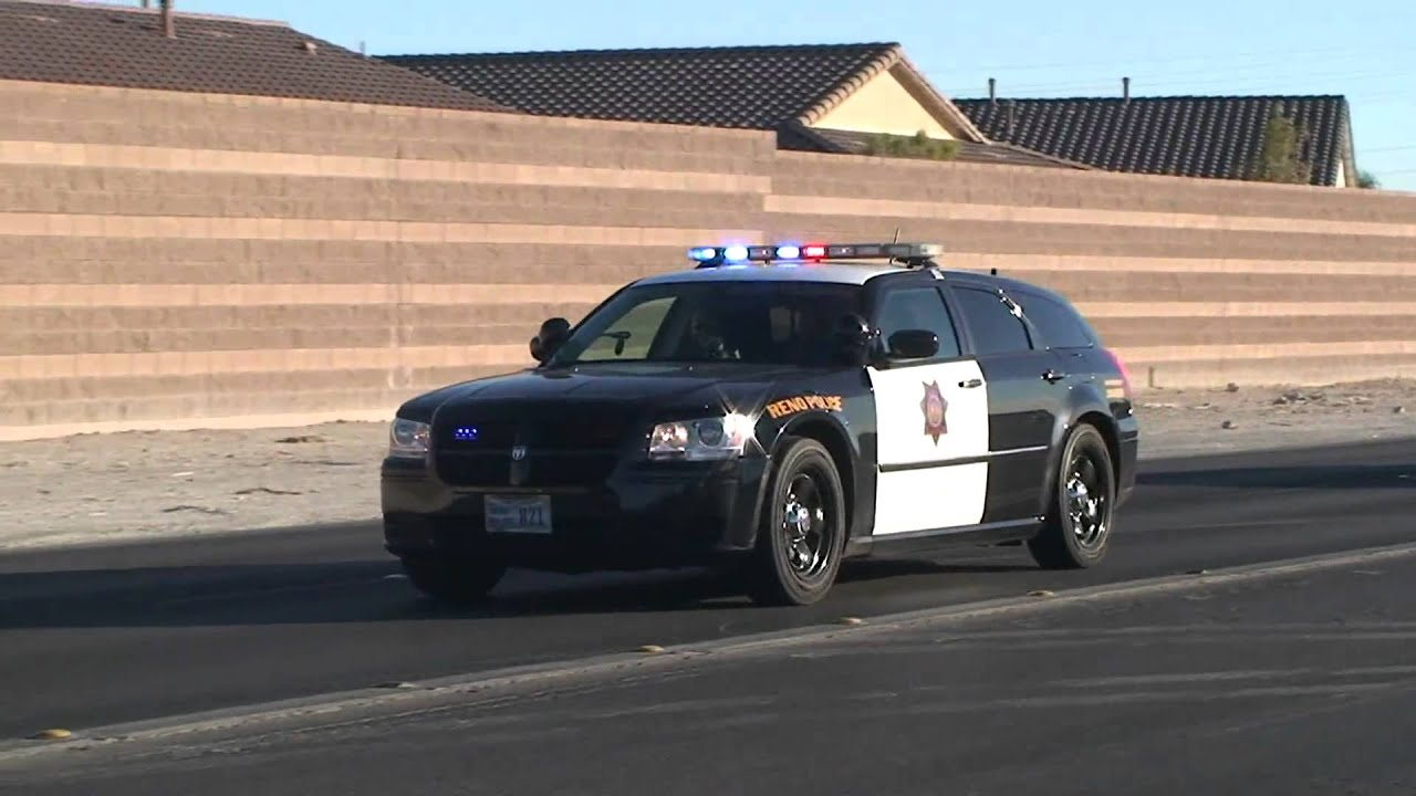 Reno Police Dodge Magnum Driving Code 3 With Nhp Youtube
