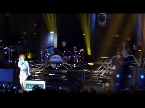 Paramore - Now (Live in Philadelphia/Camden)