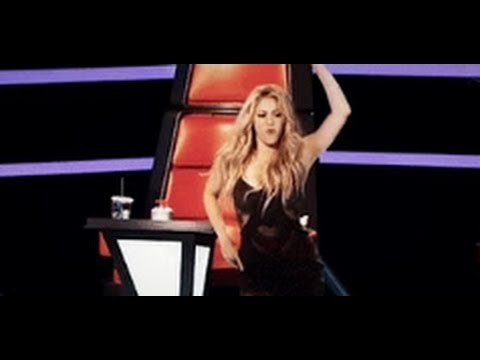 The voice: She makes Shakira standing out of respect for her and the judges start fighting for her
