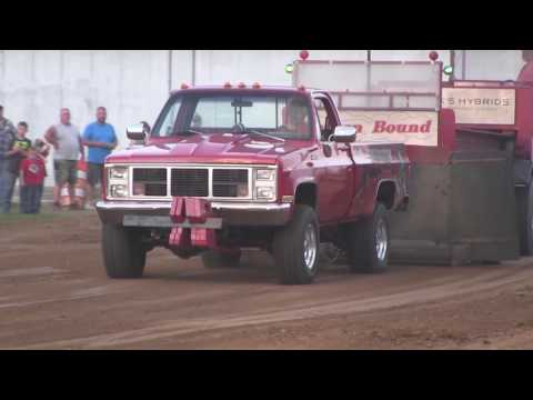 Central Illinois Truck Pullers - 2015 Four-Wheel Drive Super Stock - Truck Pulls Compilation