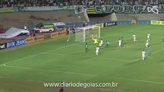 Com apoio da torcida, Goiás abre vantagem diante do Coritiba na Copa do Brasil