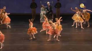 A sweet Chinese song , several lovely ballet dancers (*'▽'*)♪ Inclu...