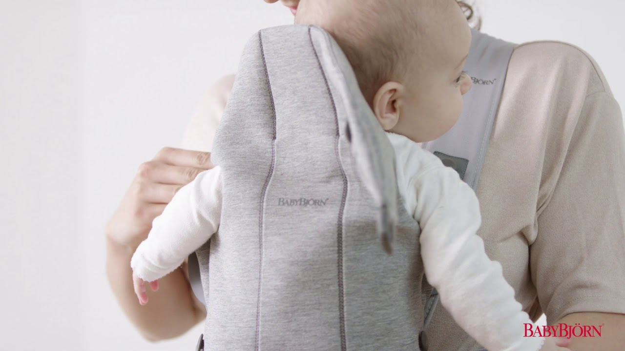 908781520 BABYBJÖRN - How to use the facing-in position for baby on Baby Carrier Mini