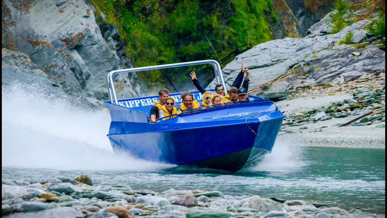 Водометный катер в каньоне НовойЗеландии