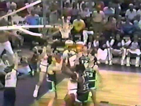 Alvan Adams (33pts) vs. Celtics (1976 Finals)