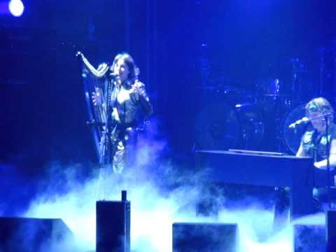 Не ведьма,не колдунья - Ария и Хелависа - слушать онлайн