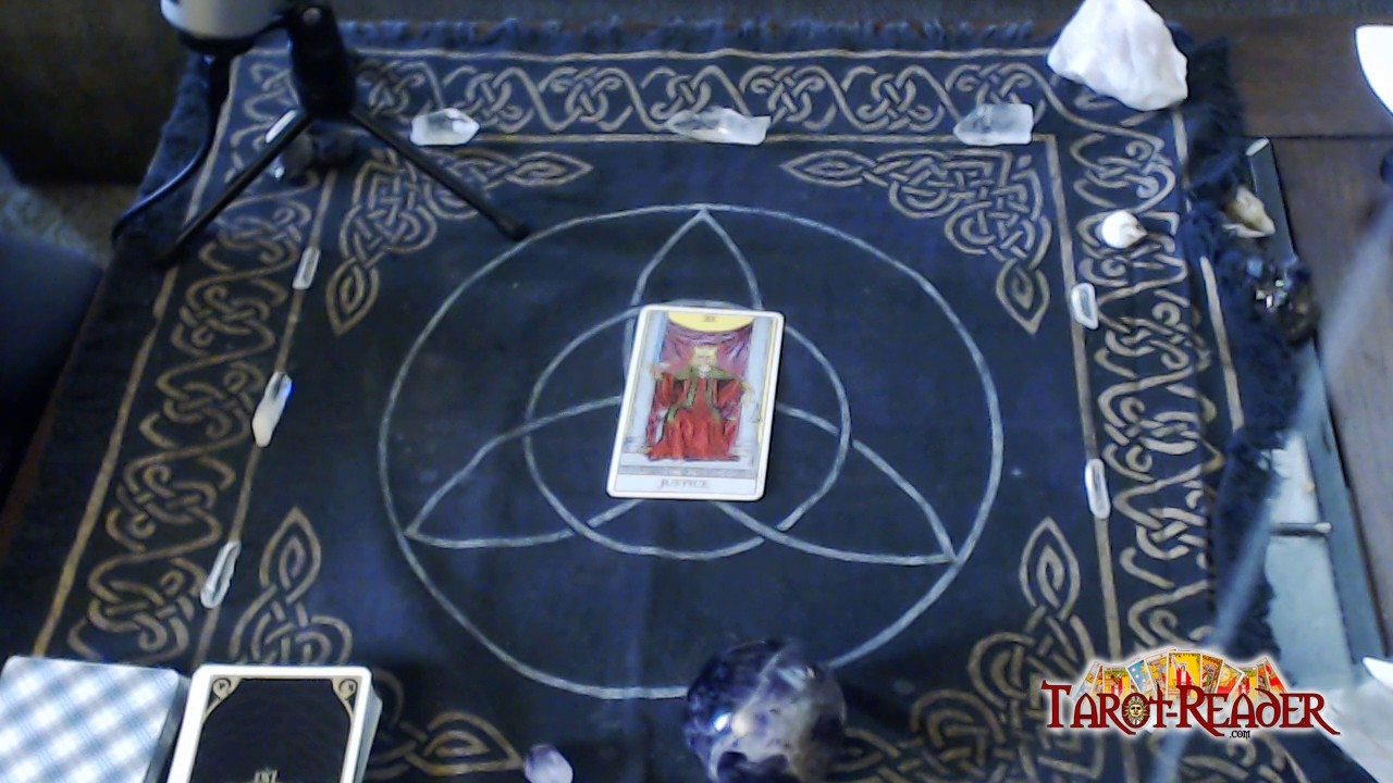 Tarot Card Meanings: The justice