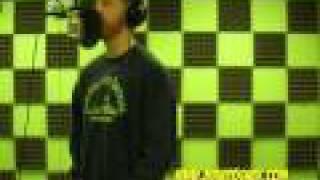 Смотреть клип Mike Posner - Halo